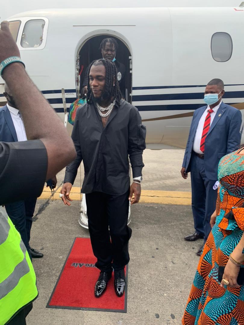 Burna Boy gets hero's welcome in Port Harcourt